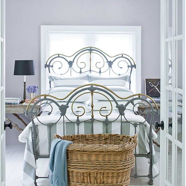 bedroom painted with iced mauve