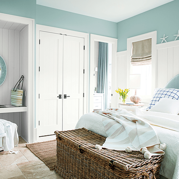 room with trim painted with white opulence